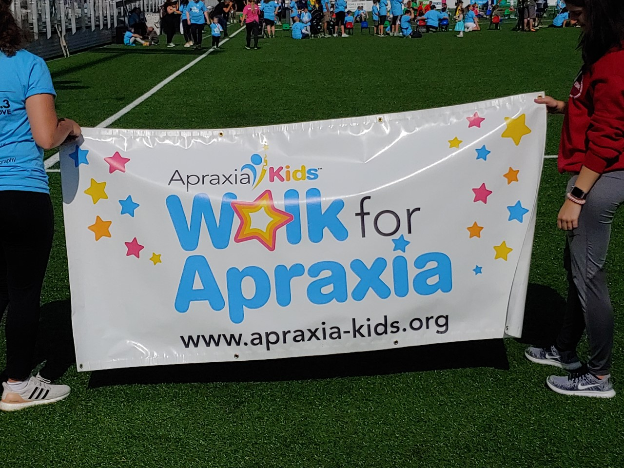 Pittsburgh au pairs volunteer for Walk for Apraxia