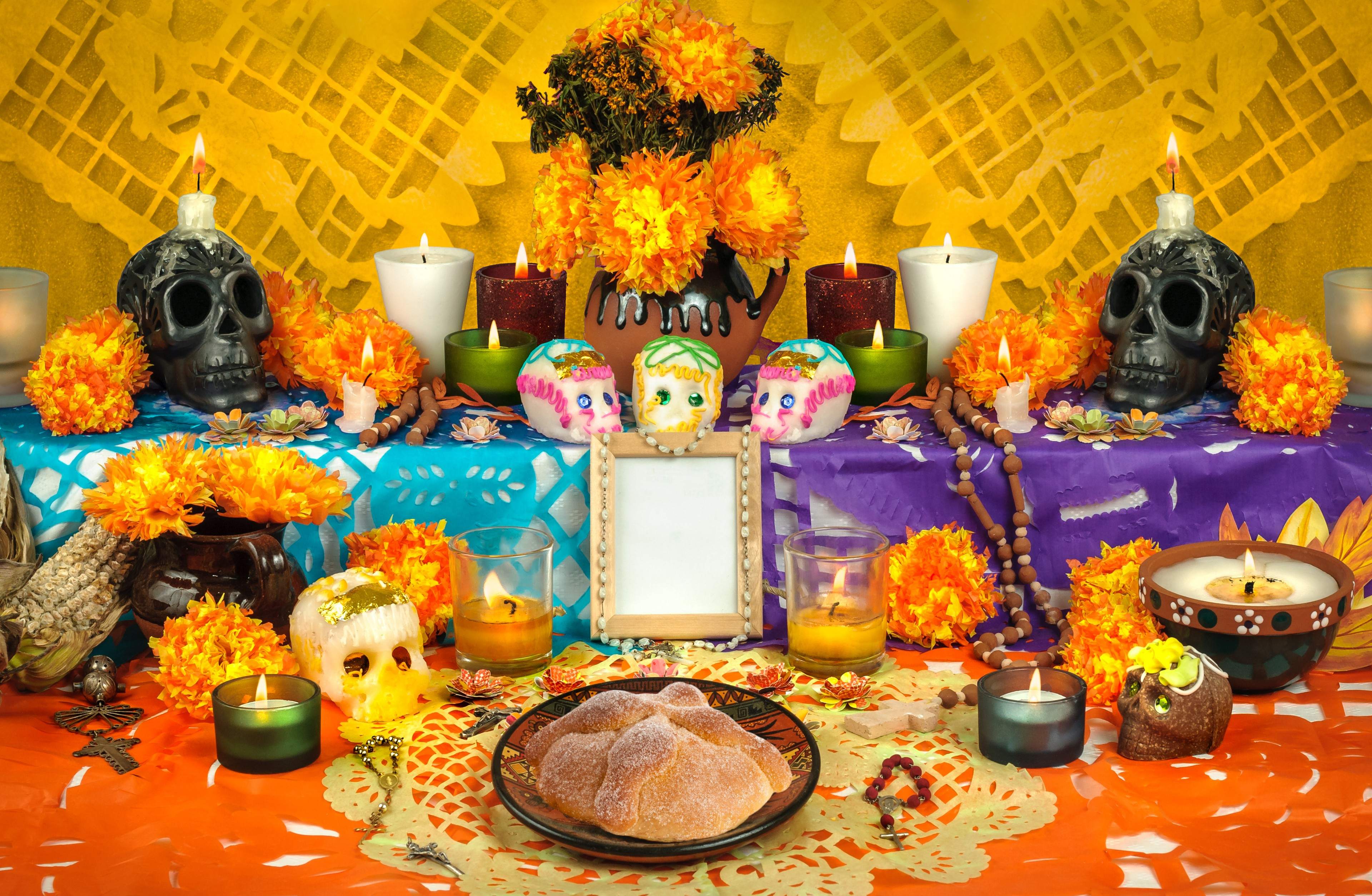 Celebrating Dia de Muertos Day of the Dead Mexico