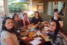 au pairs from oregon volunteer with meals on wheels