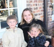 Au pair Joanna from Sweden with her Host Children